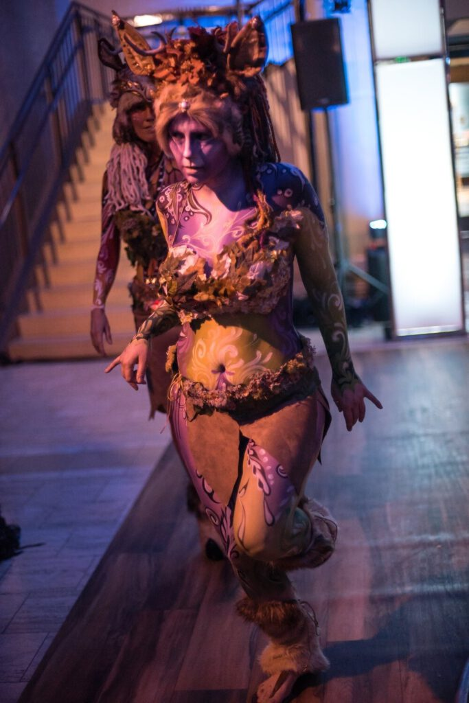 Lady Body Painting To Roar - Entire Equinox
